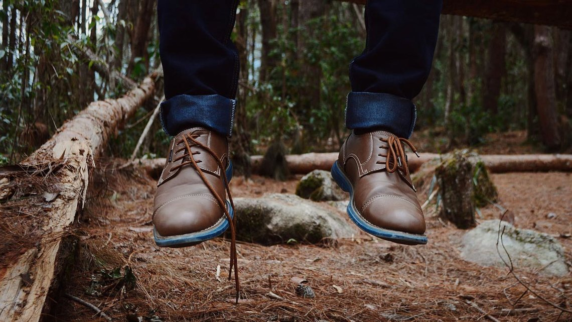 Young-shoes-forest-hang