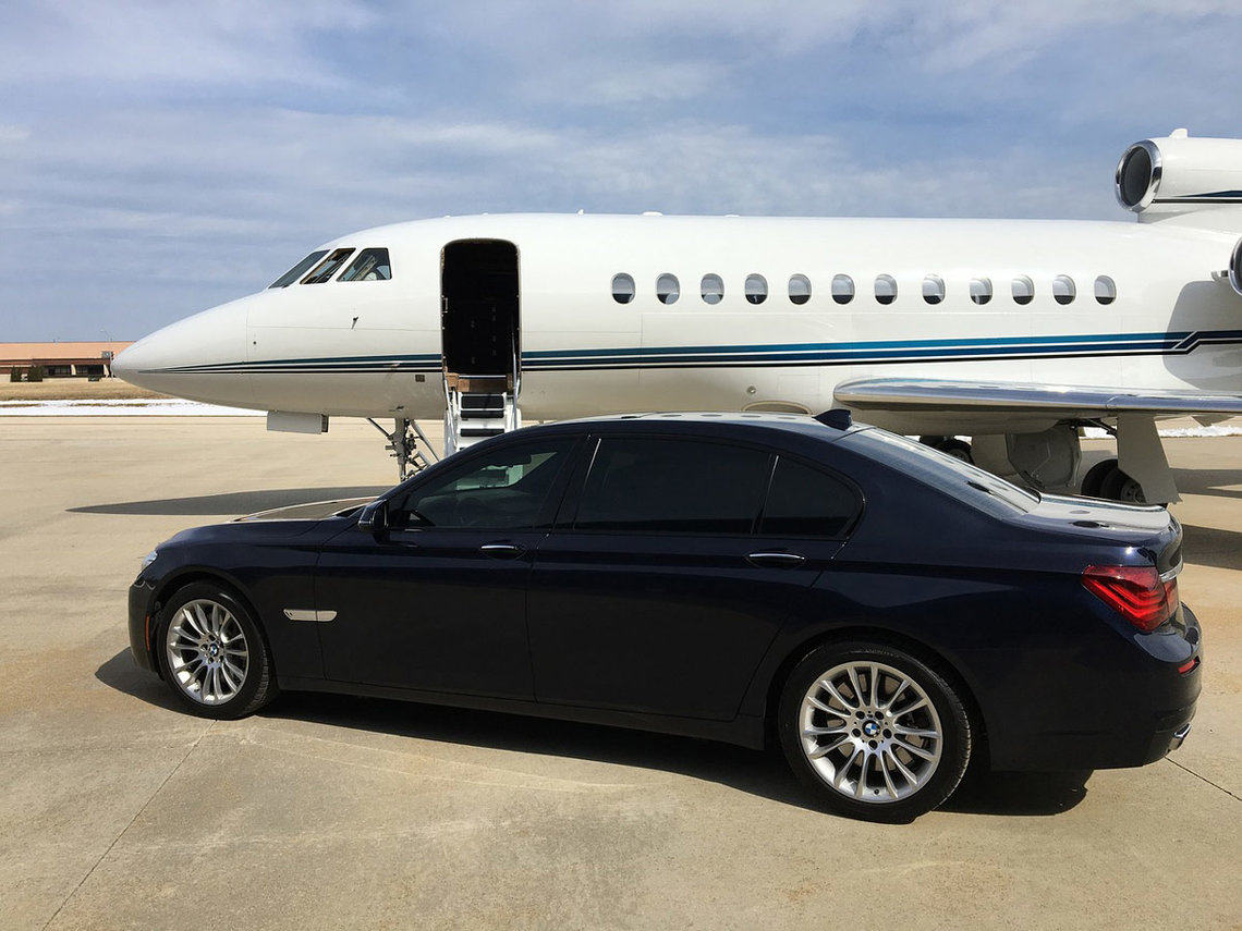 Luxury-plane-car-private-jet