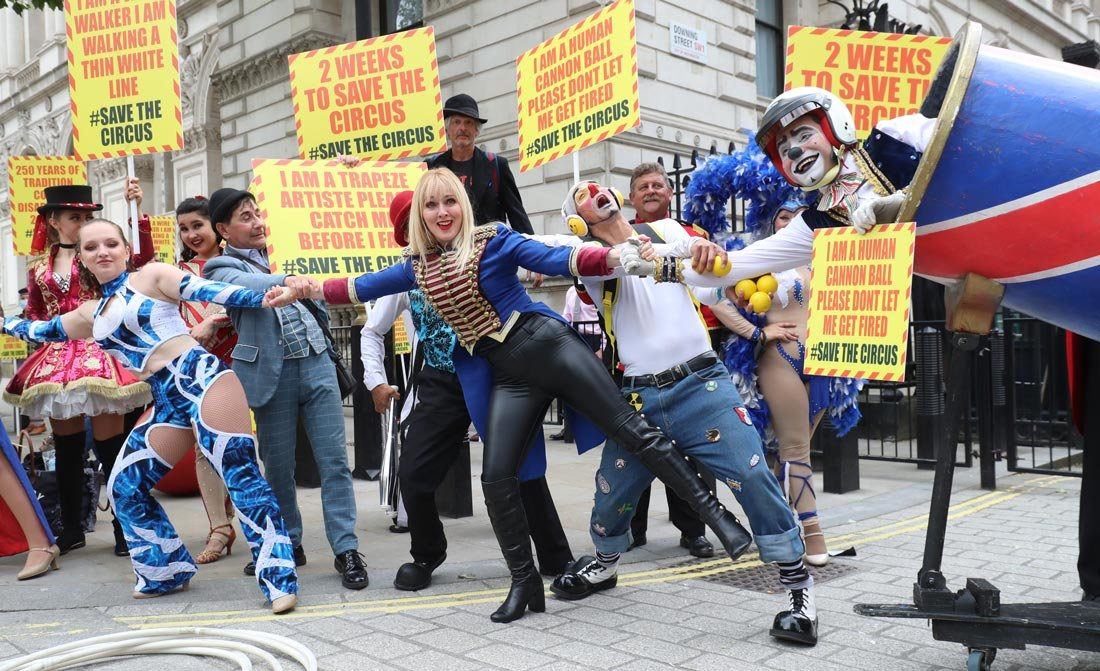England, London: Circus performers from the Association of Circus Proprietors (ACP) deliver a petition to Downing Street calling for the right to reopen ahead of the busy summer season. Photo: Gareth Fuller/dpa.