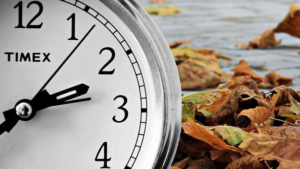 Clocks go back one hour to winter time on Sunday 25 October