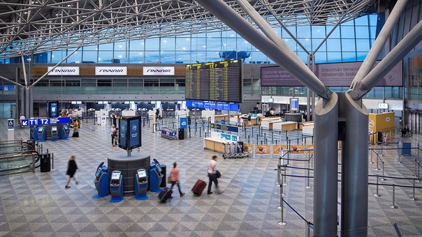 Helsinki-Airport-lobby-security-control-bag-drop-by-Finavia