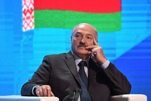 Lukashenko sworn into office in a surprise ceremony