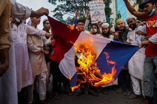 Protests intensify in Muslim world over Mohammed cartoons
