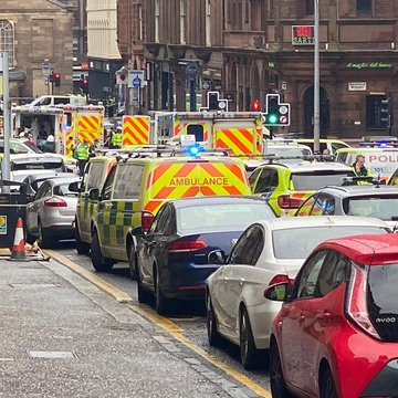 Police kill suspect in multiple stabbing in Glasgow