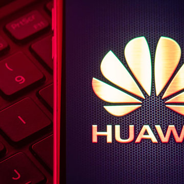 Huawei overtakes Samsung as world's smartphone leader