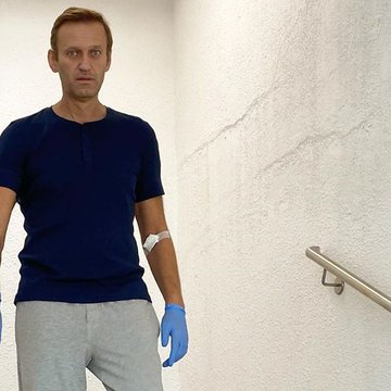 Navalny demands Russia return his clothes from day of poisoning