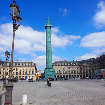 20 March 2021, France, Paris: A general view of the Place Louis-le-Grand square as it appears deserted after the French government introduced partial lockdowns to battle a sharp rise in Covid-19 infections. Photo: Christian Böhmer/dpa