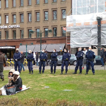 Police forces in Helsinki on May Day. Image: Twitter/@NannaIlopaa.