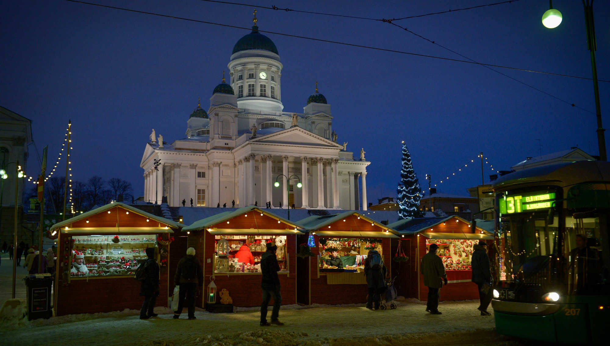 A view of a past edition of the Helsinki Christmas market in Senate Square. Photo: Visit Finland.