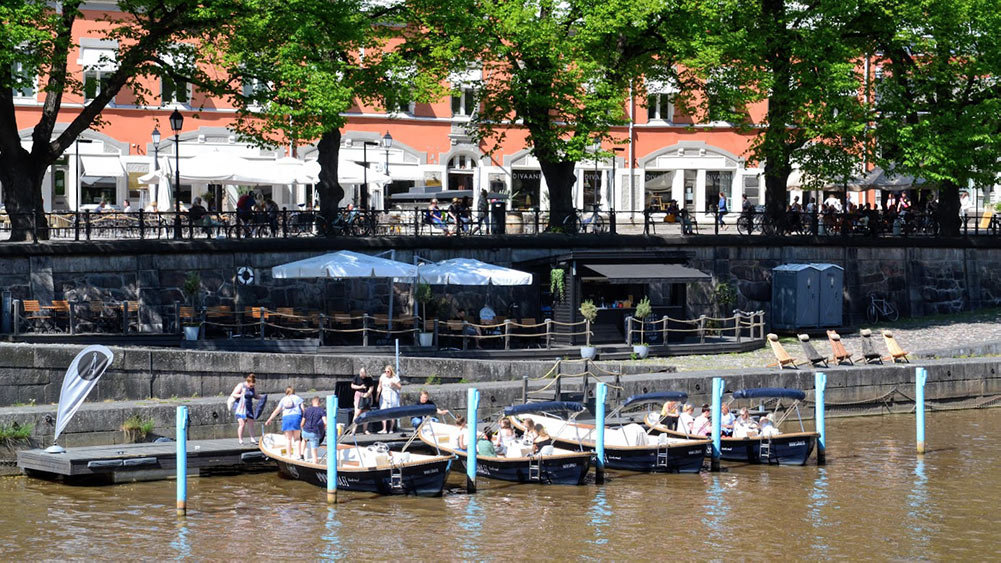 Rent boats in Aura River Turku by Pekka Vallila and Visit Turku