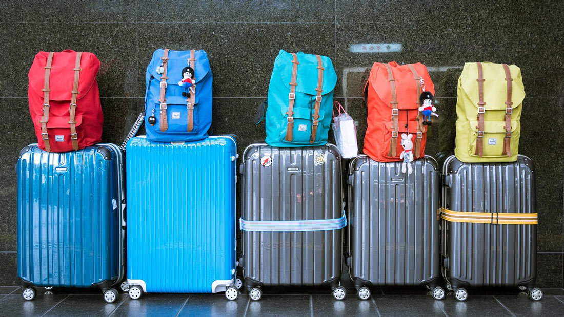 Luggage-travel-airport