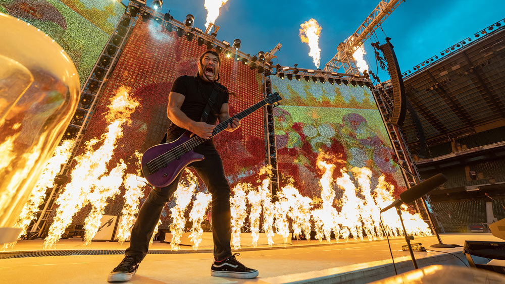 Metallica-robert-trujillo-London-June-2019
