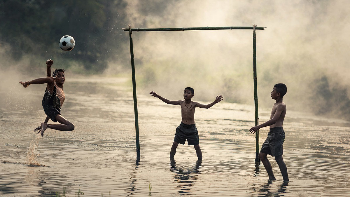 Football-children-play