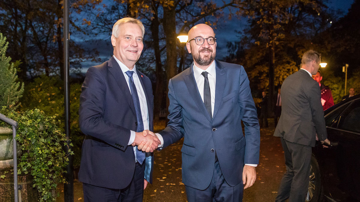 Antti Rinne (left) met President-elect of the European Council Charles Michel. Photo: Lauri Heikkinen