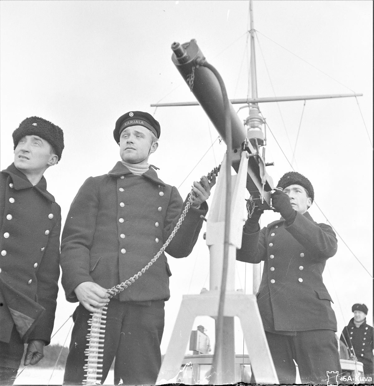 Karelian-soldiers-with-anti-aircraft-machine-gun.-30-Nov-1939