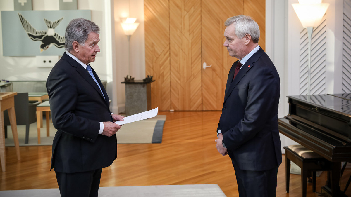 Antti Rinne resigning before the President of the Republic. Photo: Matti Porre/Presidential office.