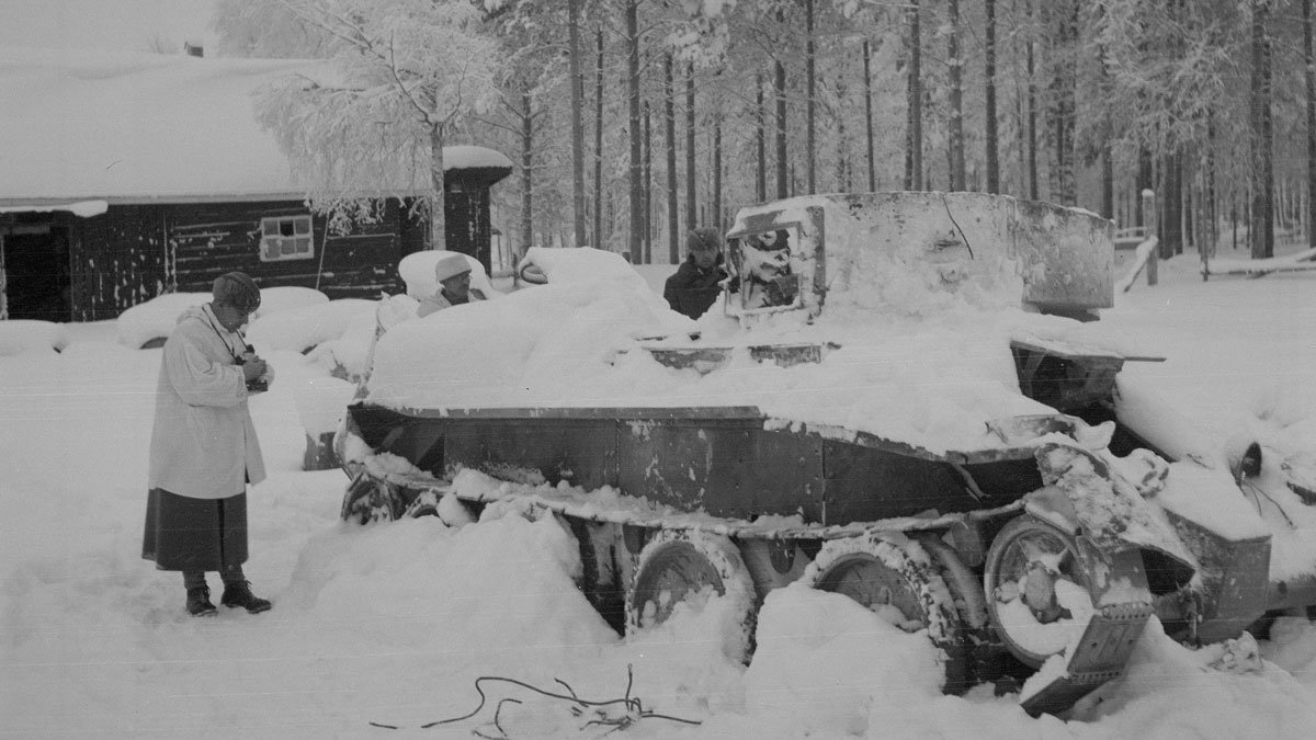 Tank-destroyed-2-Winter-War-by-SA-Kuva