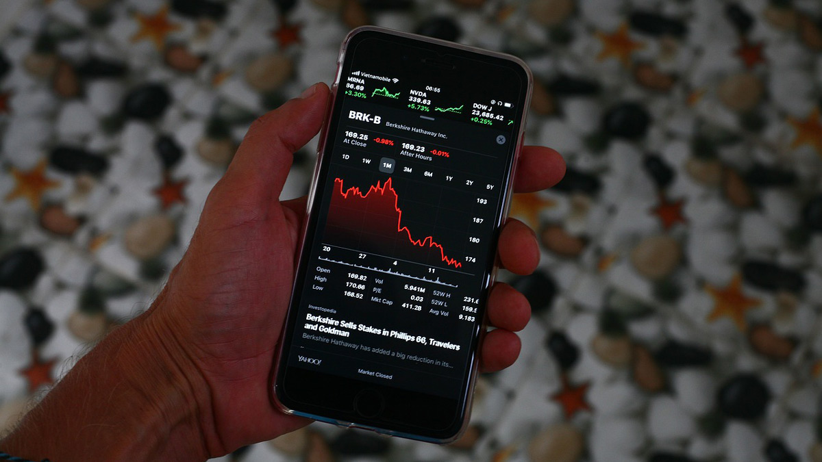 Finland-phone-red-numbers-stock-market-recession-crisis