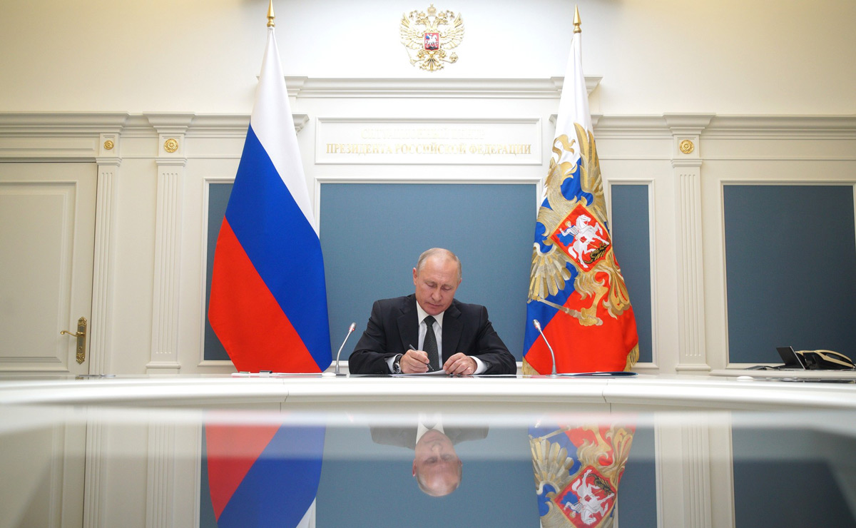 Russian President Vladimir Putin takes part in a video conference call. Photo: Kremlin/dpa.