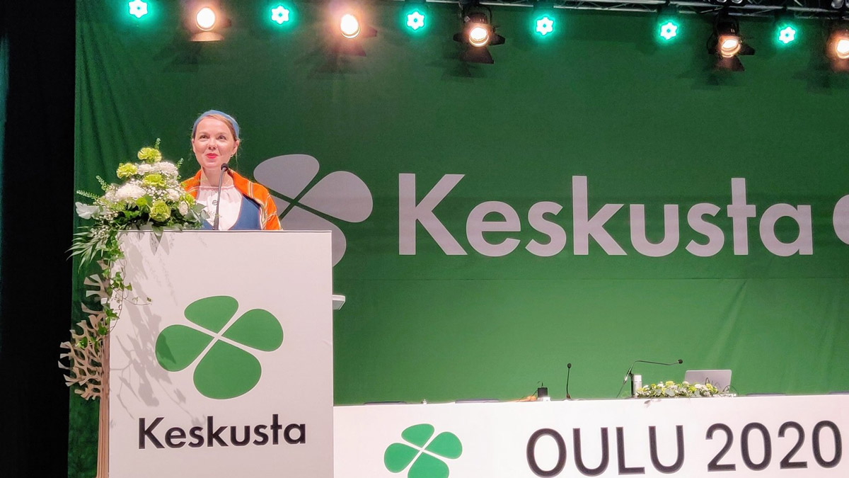 Katri Kulmuni, giving the keynote address at her party conference. Photo: Twitter/@Keskusta.