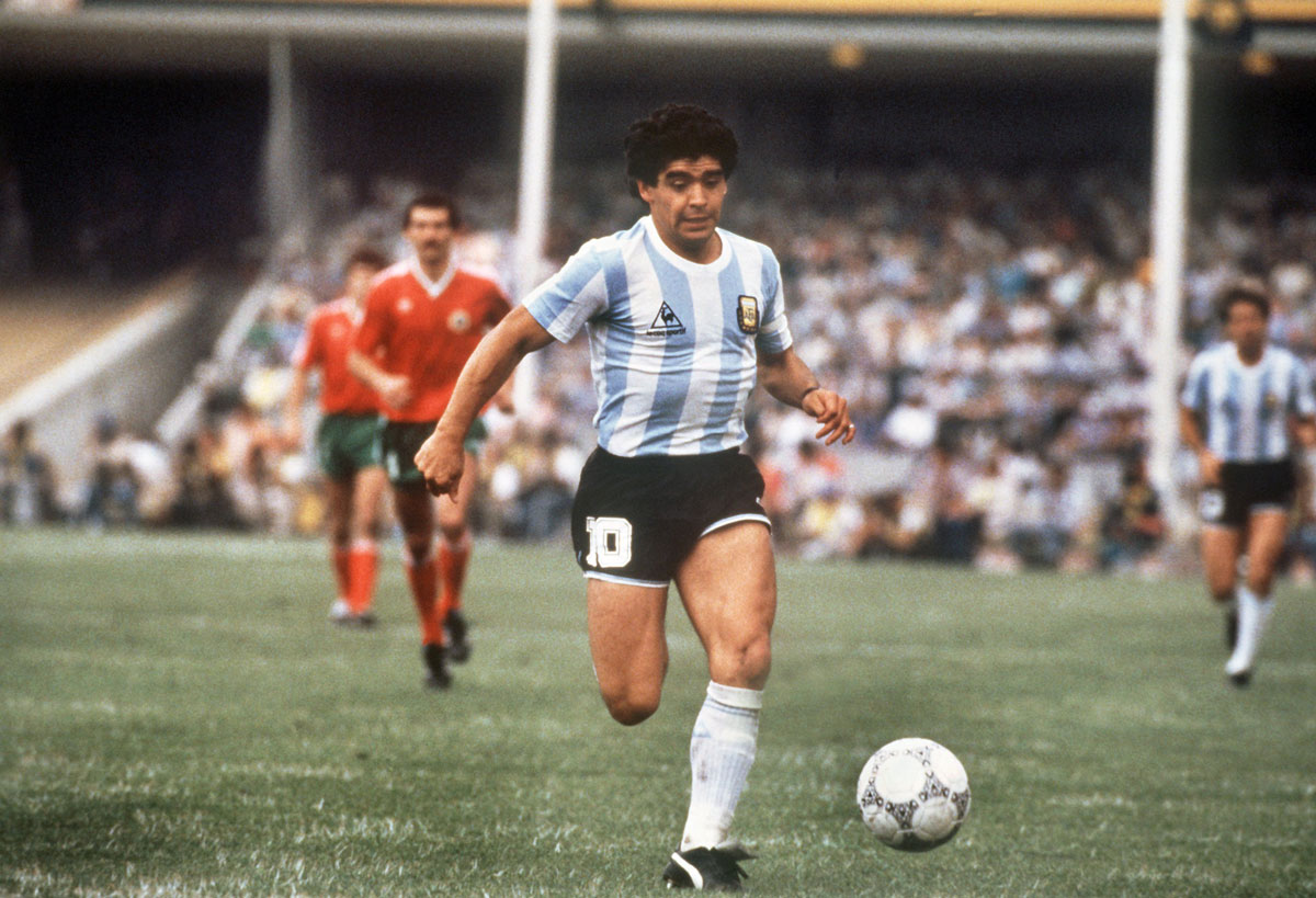 Maradona in action during the 1986 FIFA World Cup in a soccer match between Argentina and Bulgaria. Photo: dpa.