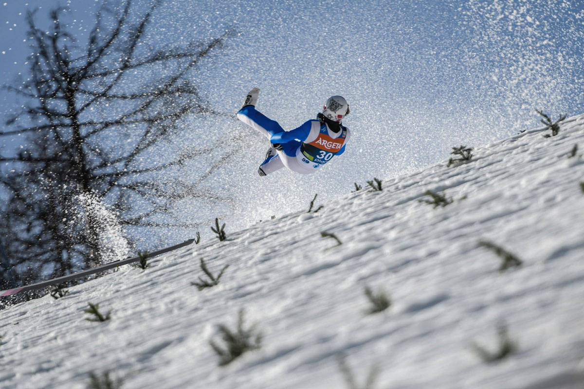 FILED - 25 March 2021, Slovenia, Planica: Norway's Daniel Andre Tande crashes during the men's flying hill event at the FIS Ski Jumping World Cup in Planica. Photo: Milos Vujinovic/SOPA Images via ZUMA Wire/dpa